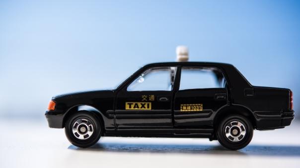 タクシー運転手は深夜も働く?