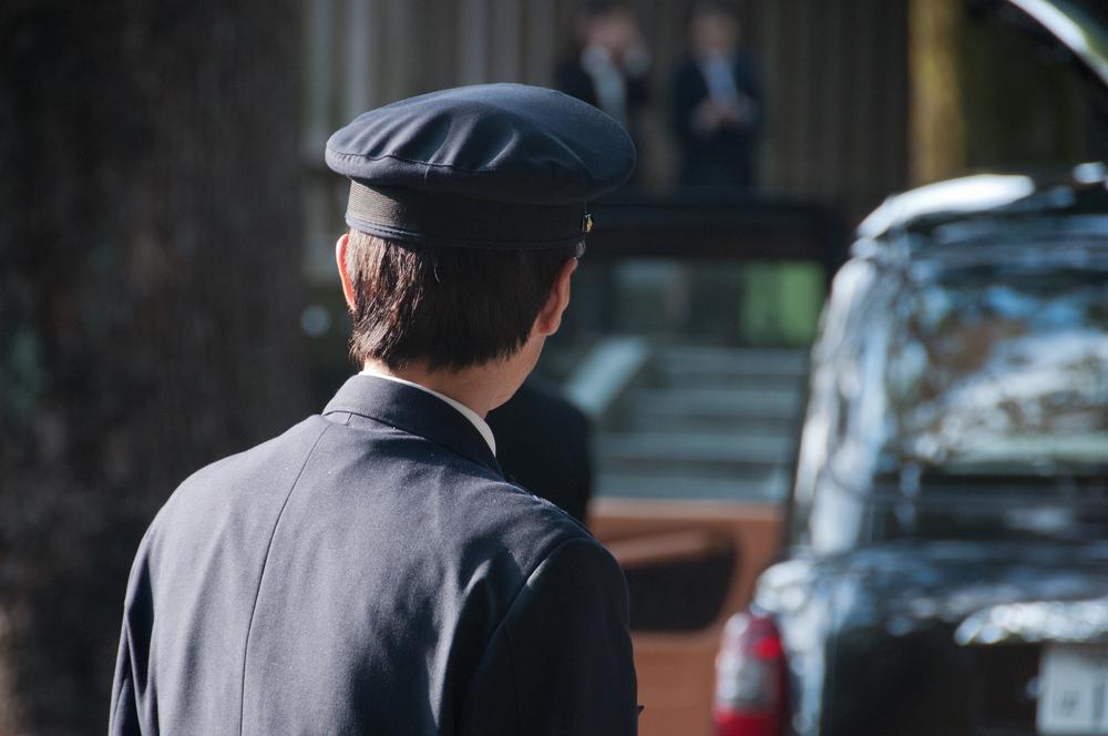 タクシー運転手に求められる身だしなみや接客とは?